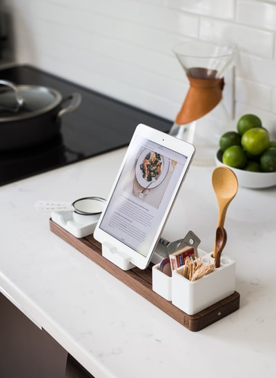 How to buy a tablet holder with chlorella and a tablet on sale